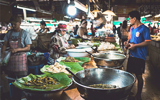Mercado de comida thailandesa