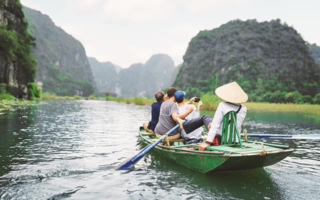 Paseo por el río Ngo Dong